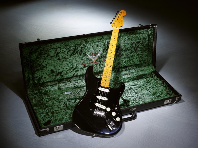 datazione di un corpo Stratocaster esempio di rendiconti finanziari a doppia datazione