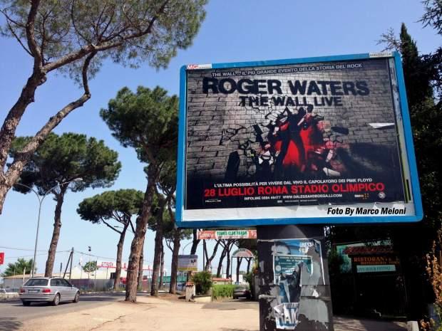 Copia di MaxiPoster Roger Waters  via Nomentana  1070
