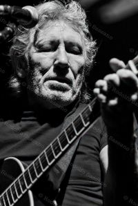 ROGER WATERS IN VISITA A CASSINO